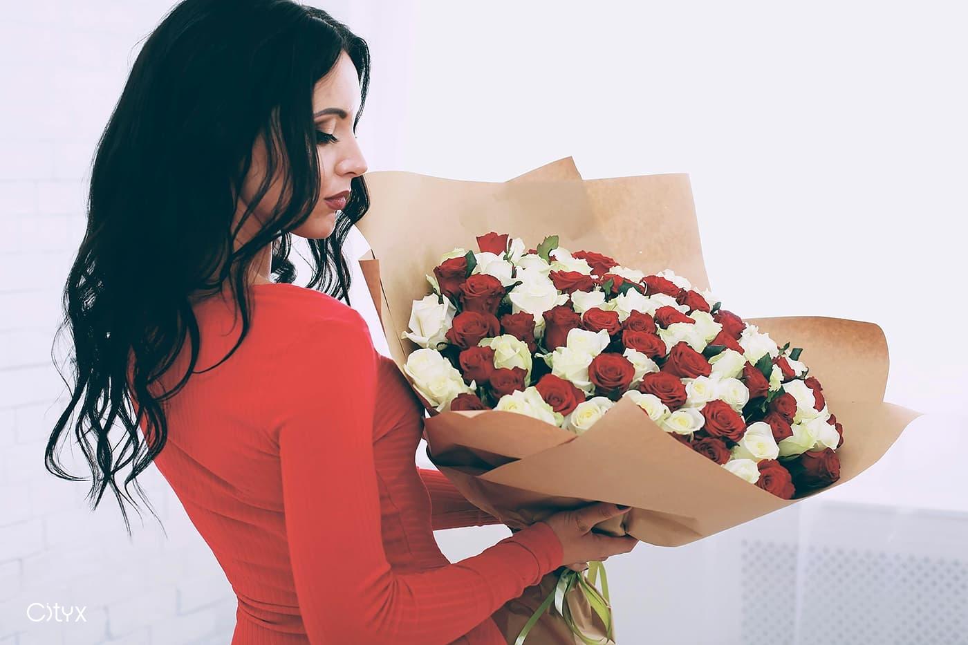 Выбираем цветы в подарок
